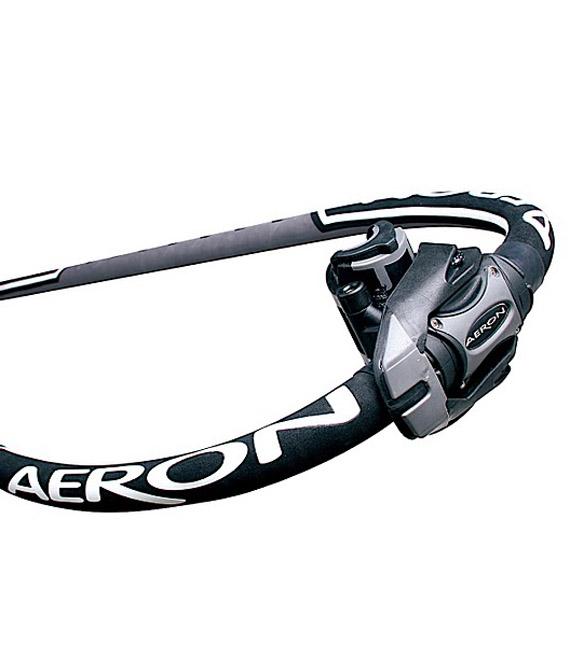 aeron-carbon-detail-2011_3974